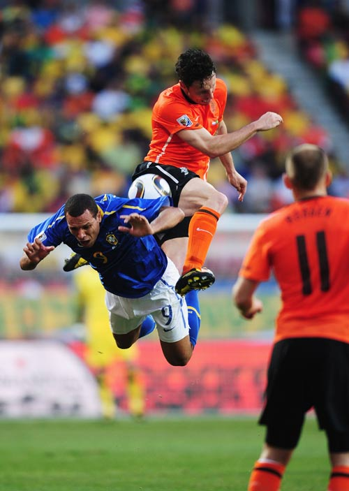 10092 - City fail with Van Bommel bid