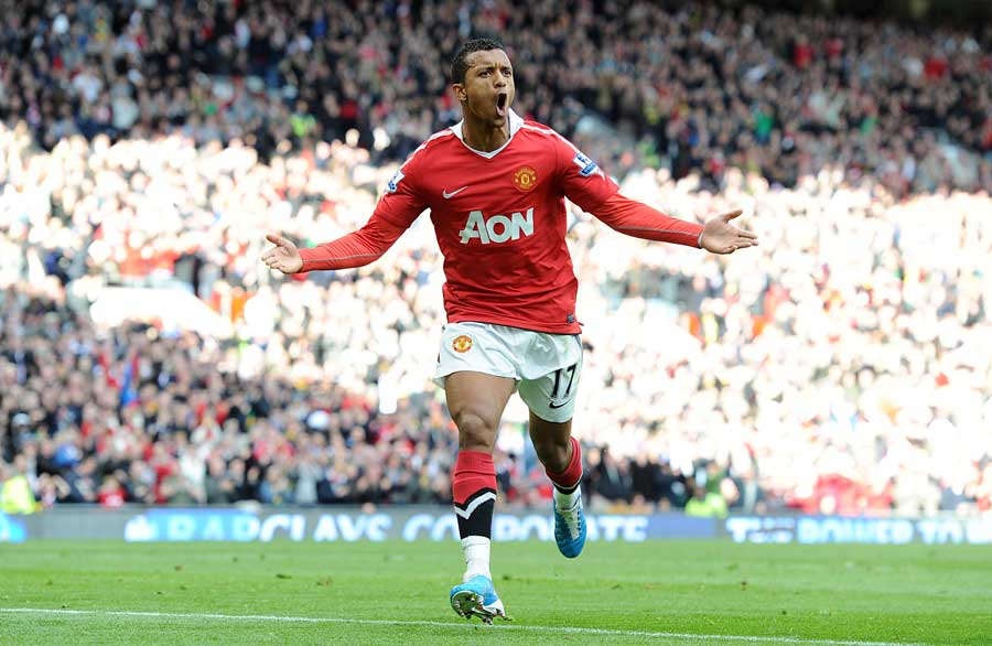 15154 - Nani writes off Arsenal and City title challenges