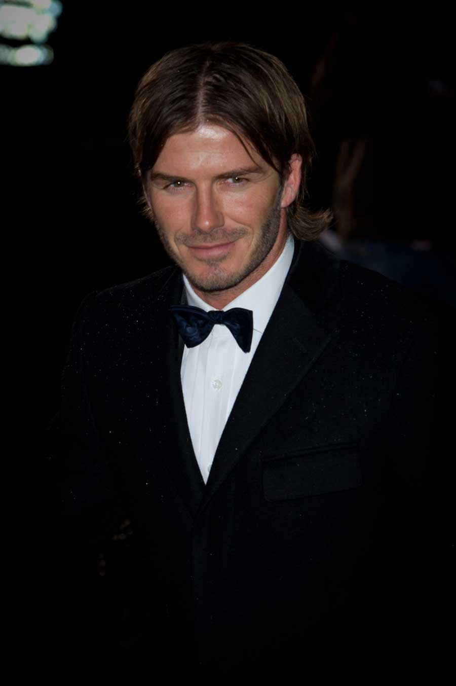 18405 - Beckham believes he can still Play for England