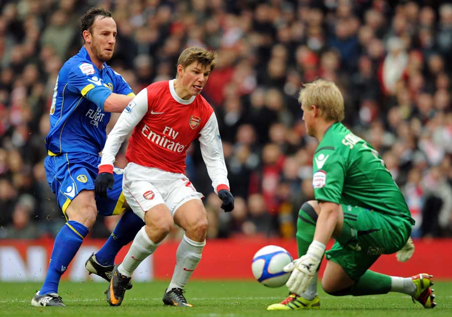 19052 - Late Fabregas penalty rescues draw for Arsenal