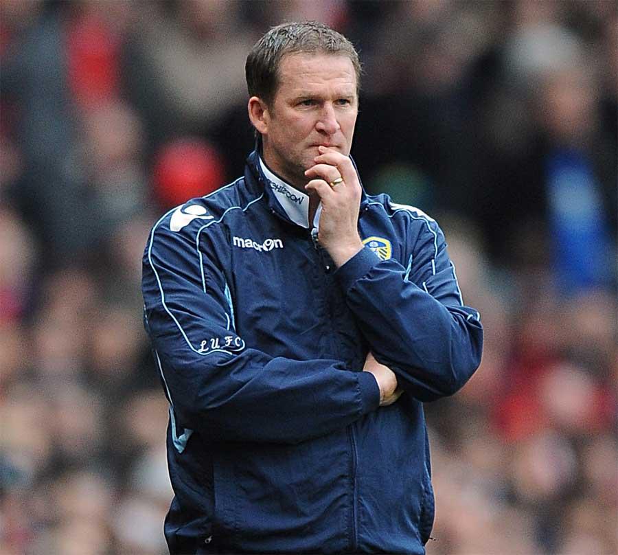 19053 - Leeds dismiss boss Grayson