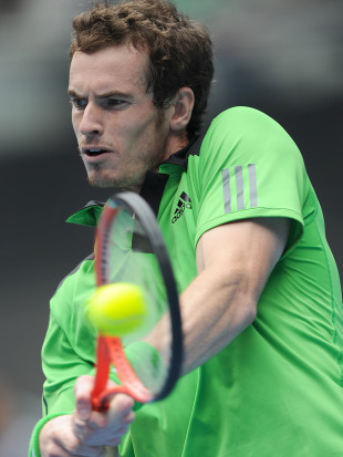 andy murray tennis serve. News: Wrist bothers Murray in