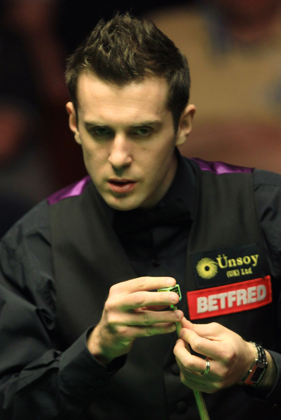 20339 - World No. 1 Selby made to work hard by Lee