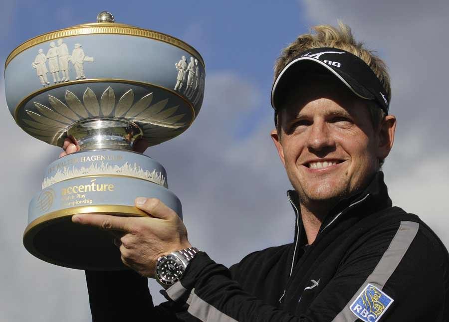 21296 - Golf : Europe tighten grip on world golf