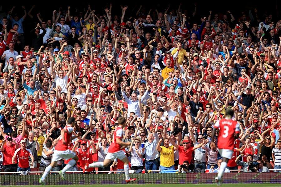 23913 - Ramsey the hero as Arsenal derail Man United