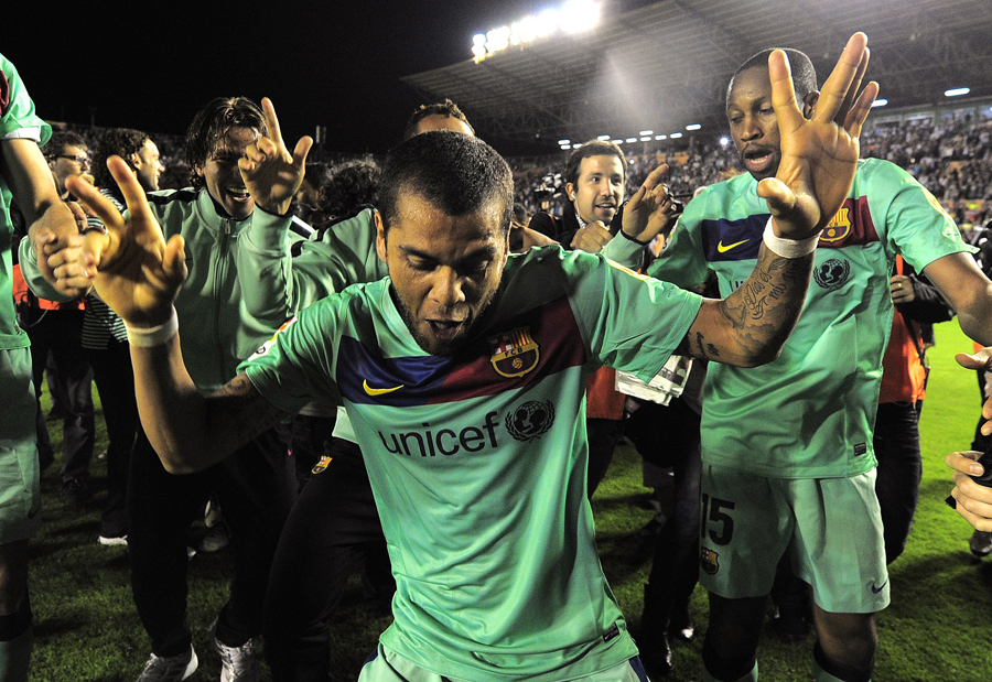24338 - Barcelona clinch Spanish title with draw