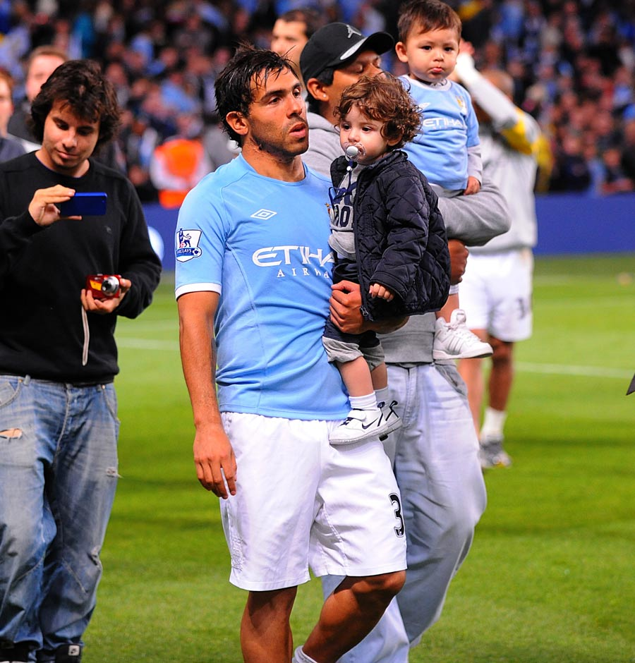 24688 - Tevez ready for City stay