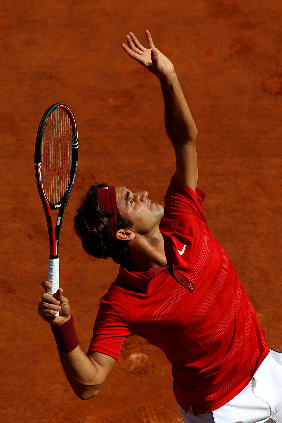 24936 - Roger Federer powers through in Paris