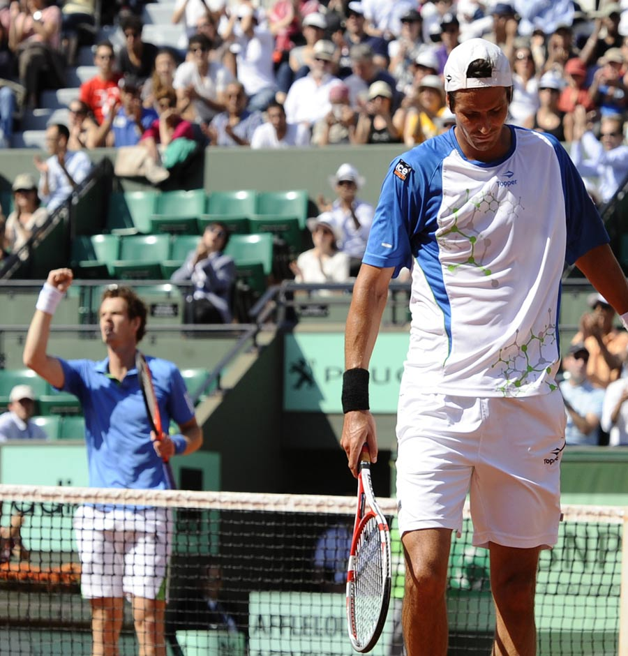 25307 - Murray not happy with French Open form