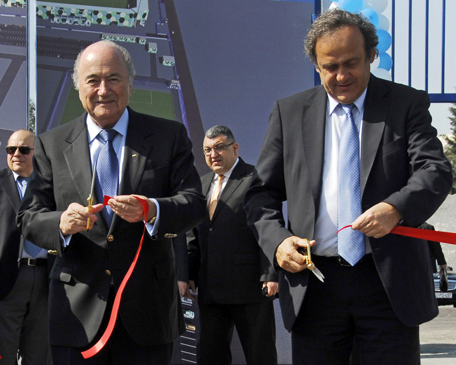 25542 - Platini to discuss FIFA reforms