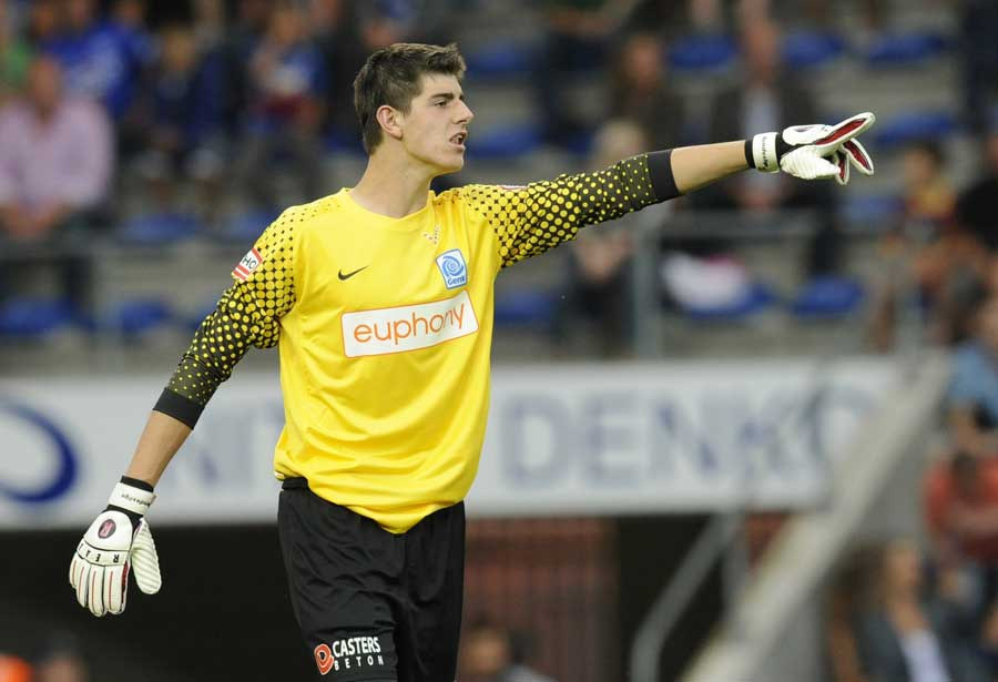 26043 - Chelsea loan new boy Courtois to Atletico
