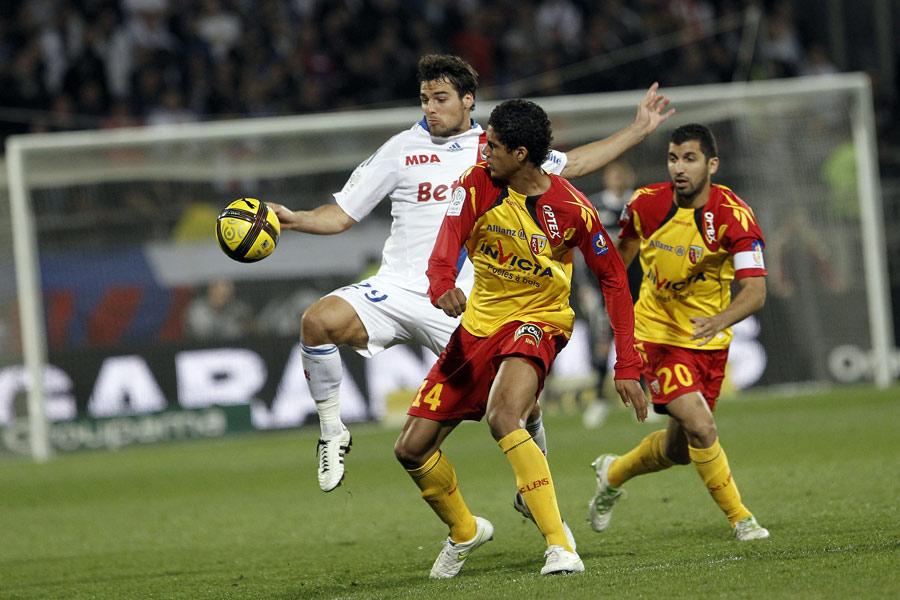 26098 - United miss out on Varane