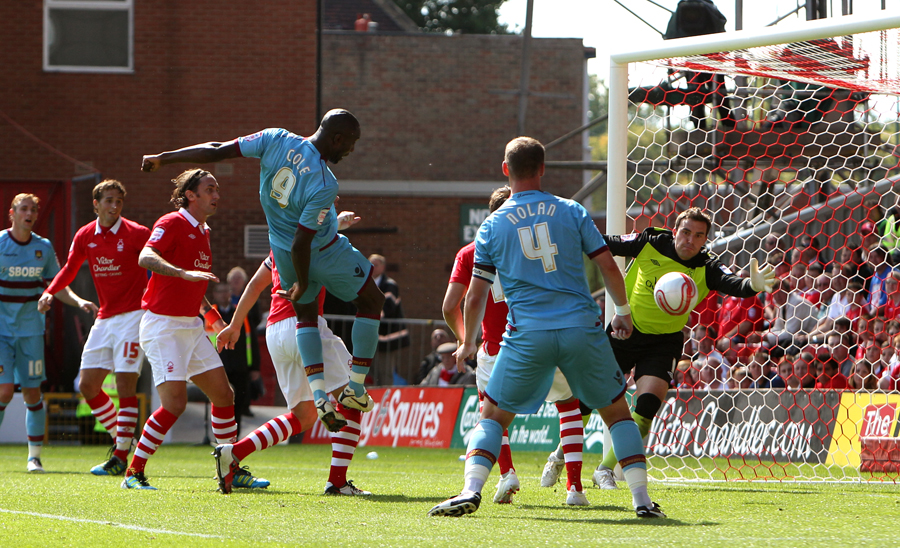 28415 - Hammers romp to victory at Forest