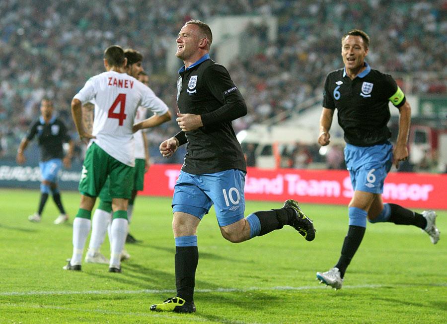 28658 - Wayne Rooney plays down injury fears