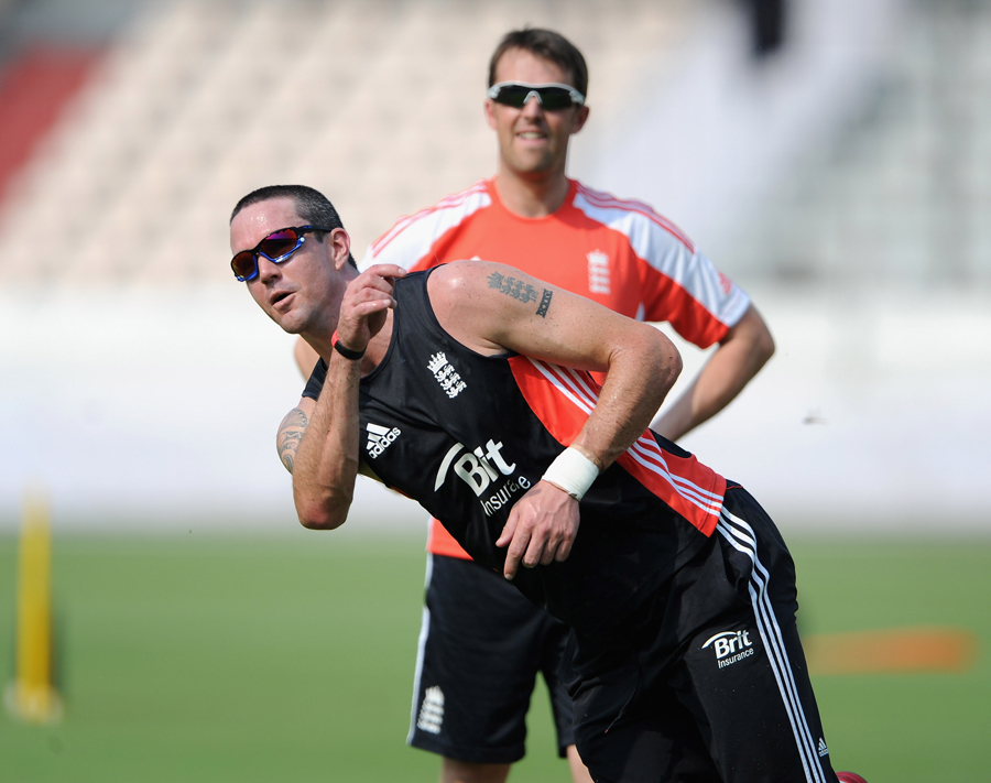 30247 - No rifts in England squad - Pietersen