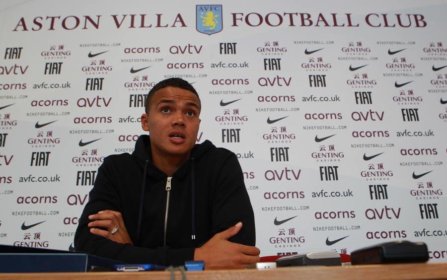 30796 - Leeds consider Jenas loan deal