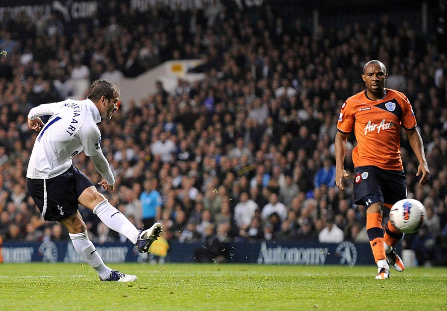 30912 - Spurs handed Van der Vaart injury boost