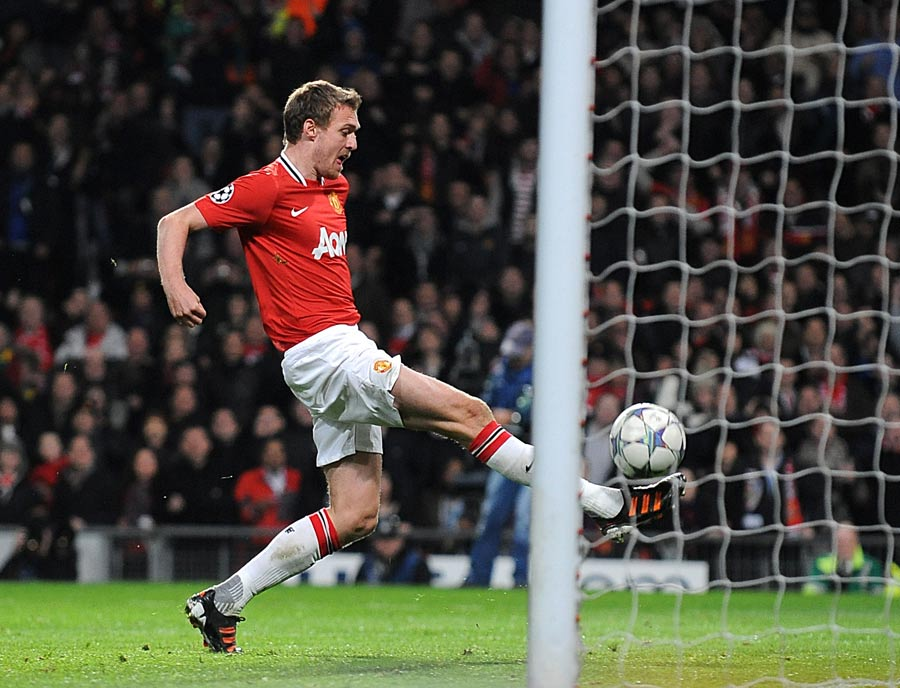 31824 - Darren Fletcher out for the season - Fergie