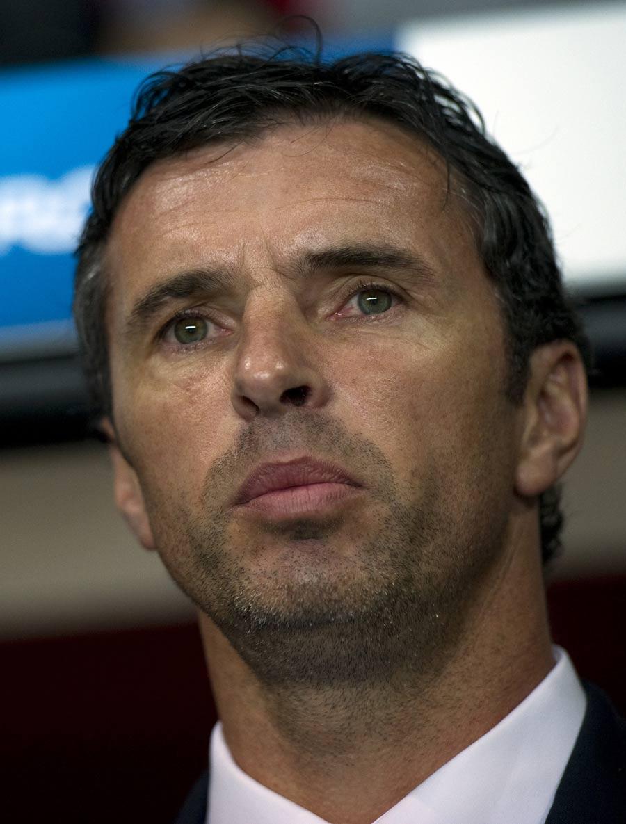 32033 - Wales boss Gary Speed dies aged 42