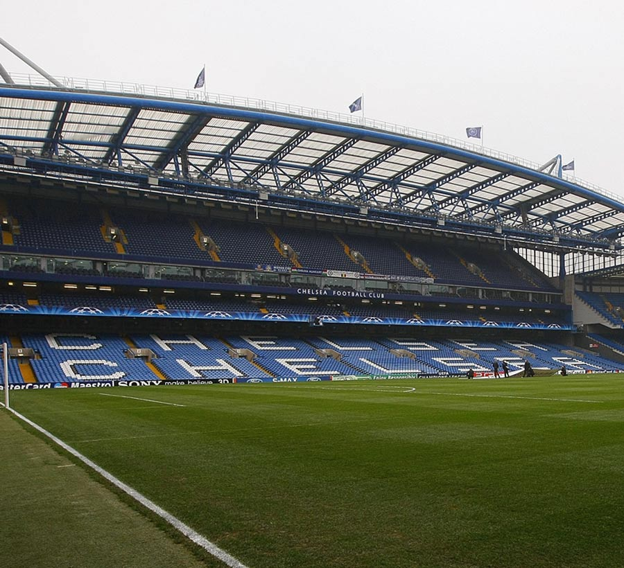 32567 - Chelsea fans stand firm against new stadium plans