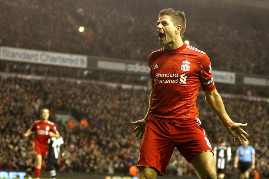 33032 - Steven Gerrard fires warning to City