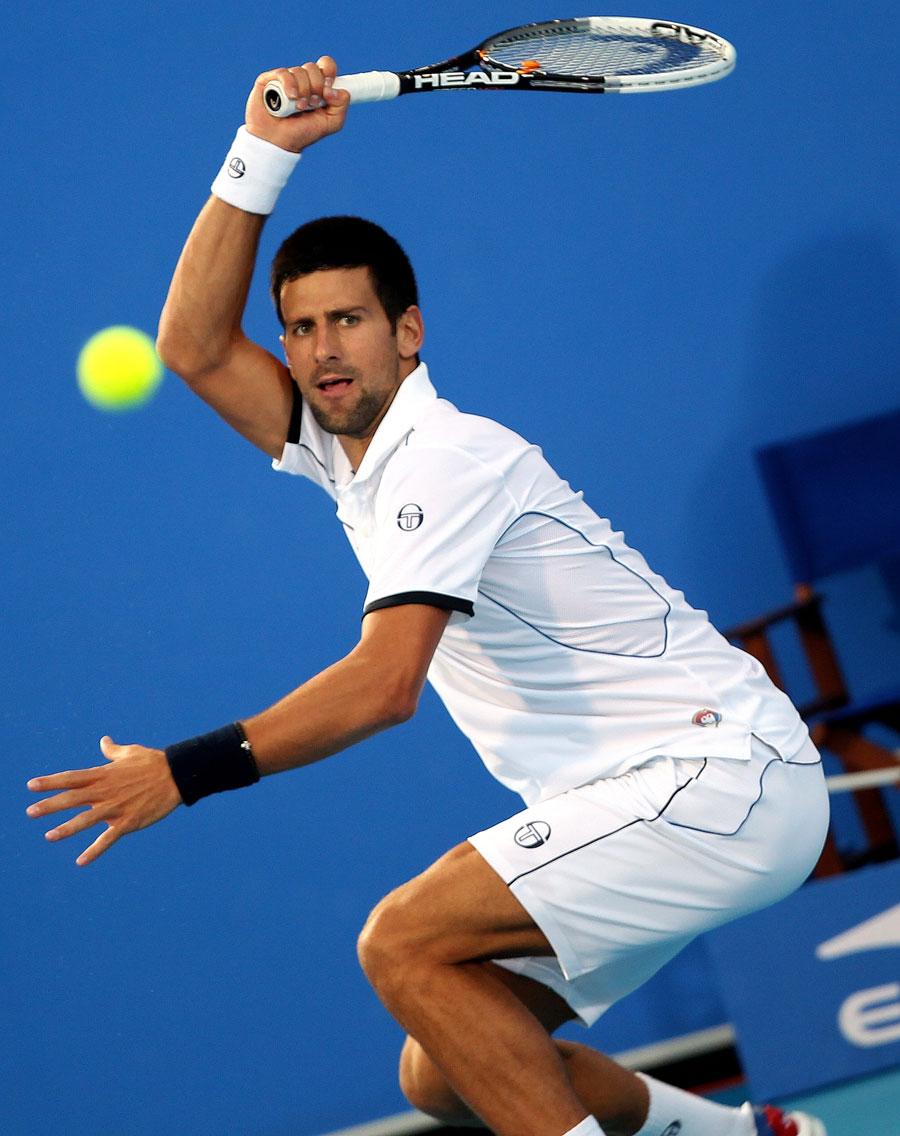 33039 - Djokovic wins Abu Dhabi title as Nadal sees off Federer