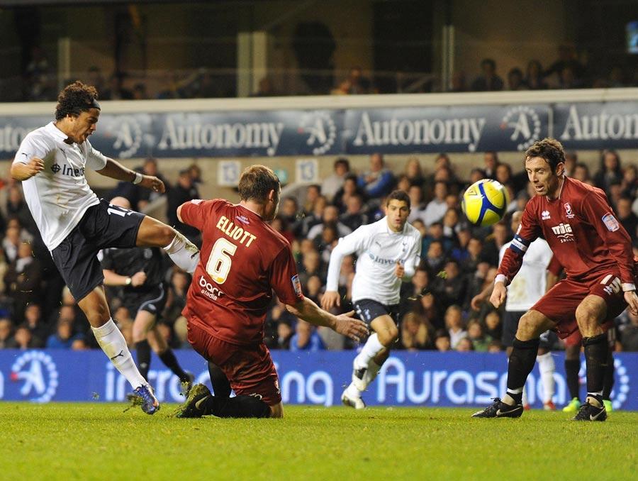 33322 - Giovani agent expects Tottenham stay