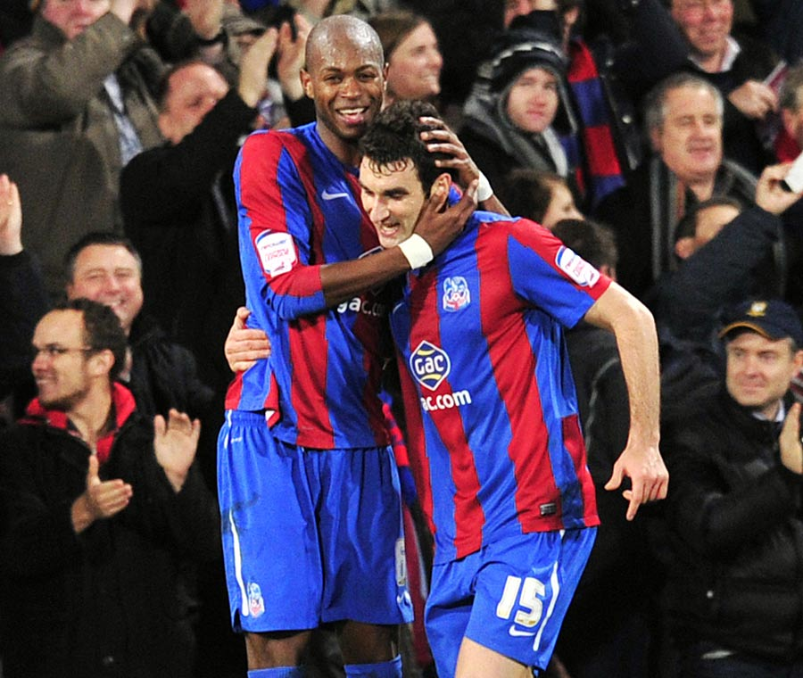 33422 - Crystal Palace buoyed by first leg lead