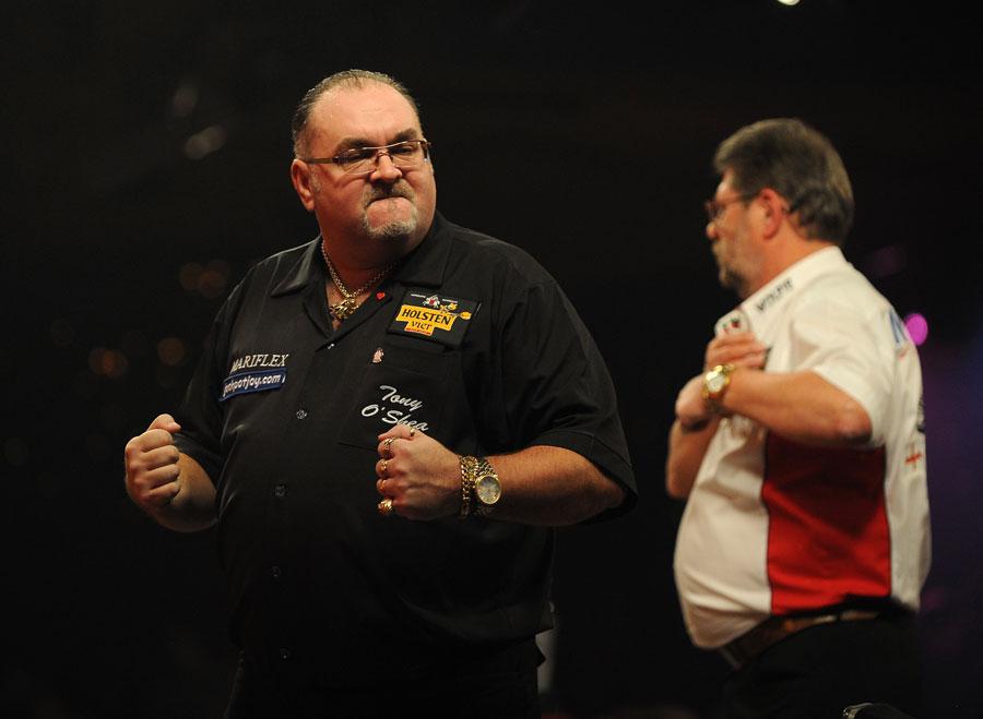 33480 - Darts: O'Shea stuns Adams to reach semis