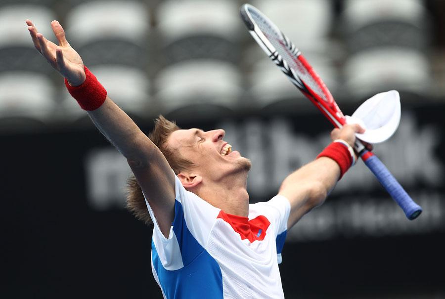 33566 - Jarkko Nieminen ends six year title drought in Sydney