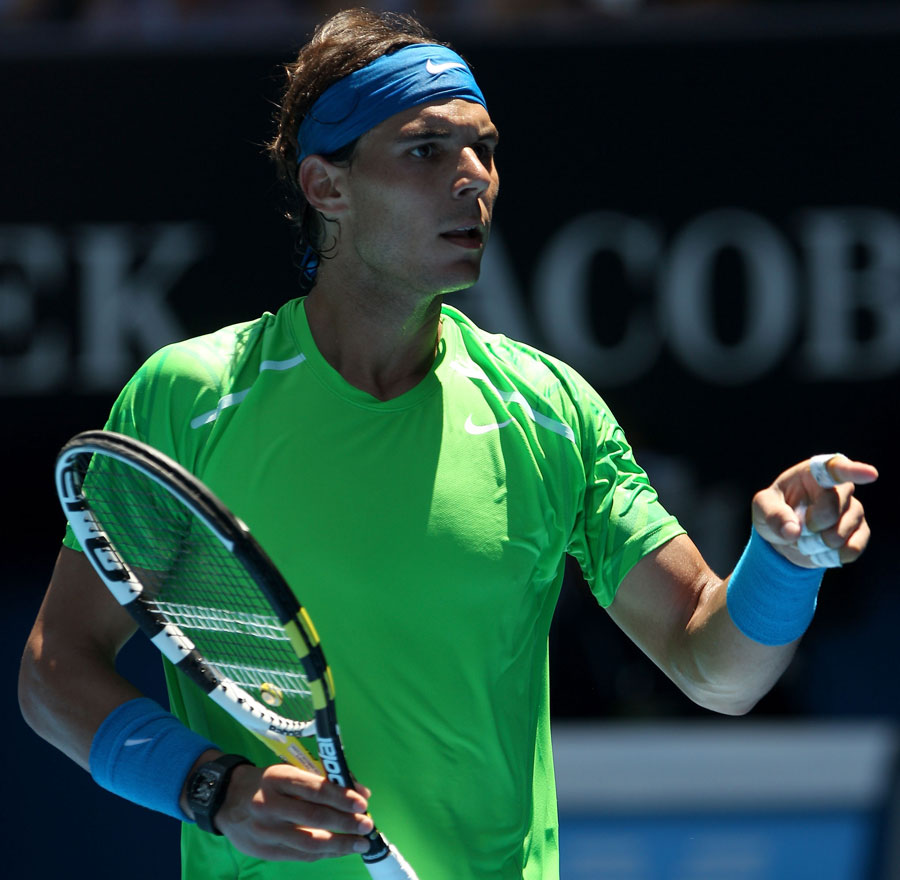 33934 - Nadal breezes by Lopez into final eight
