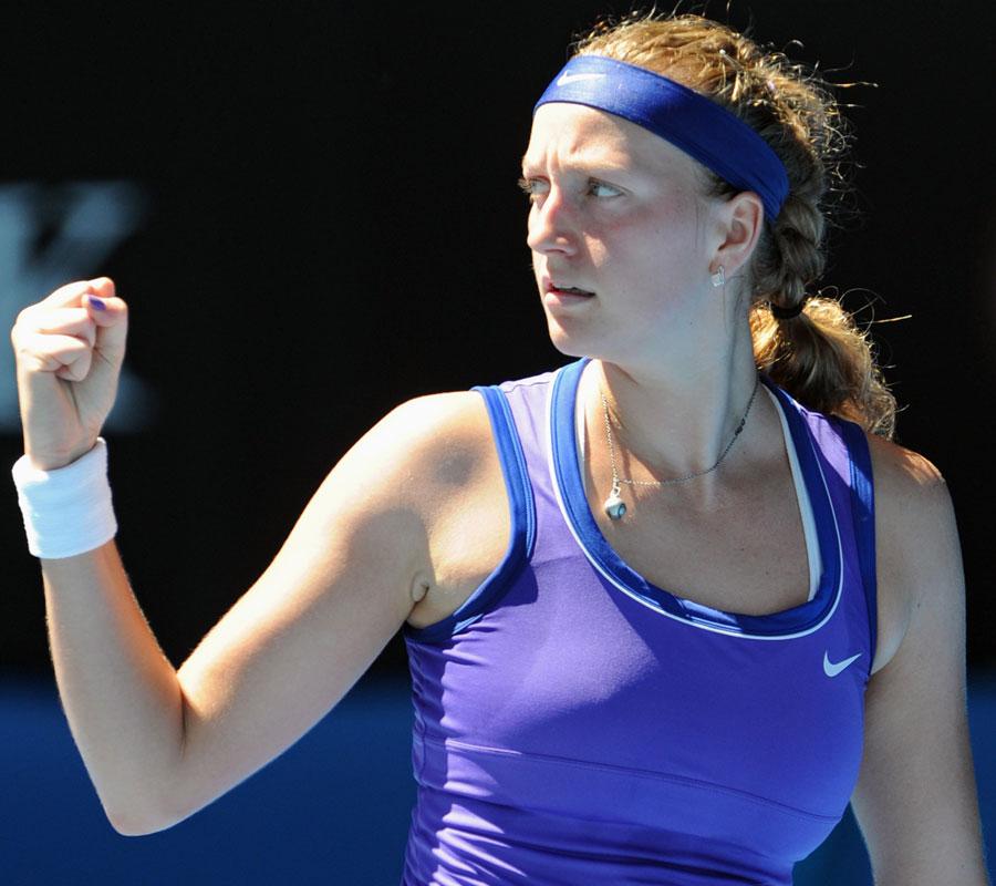 33982 - Serena Williams stunned by Makarova