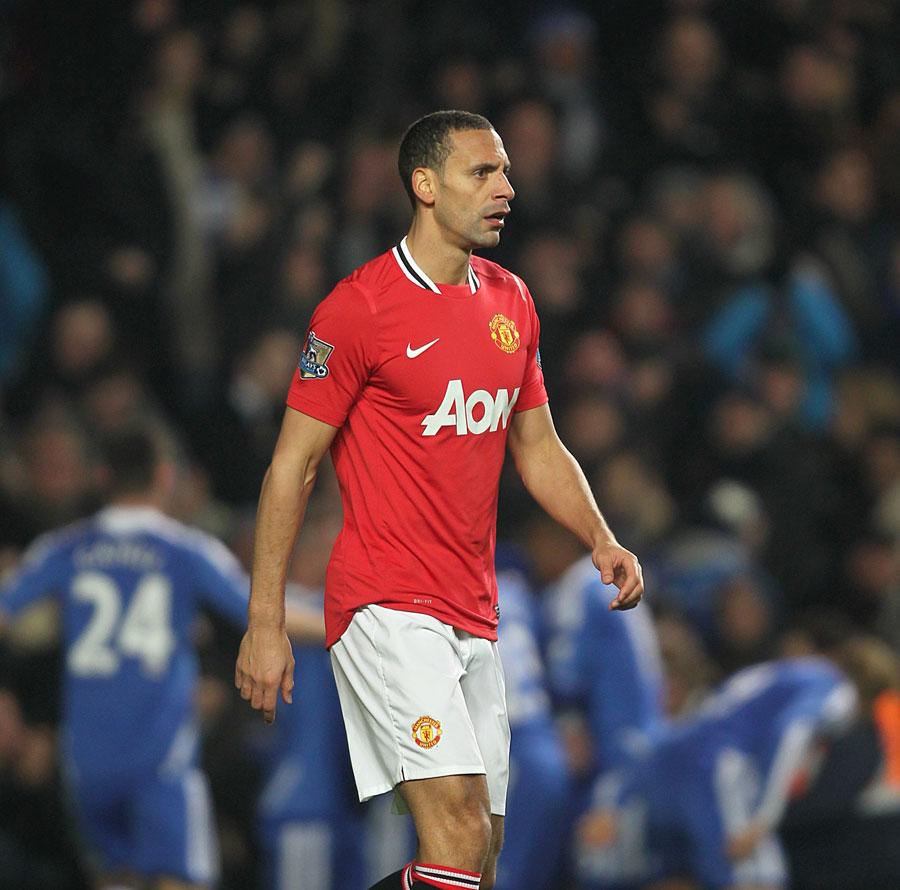 34581 - Fergie backs Ferdinand to play on