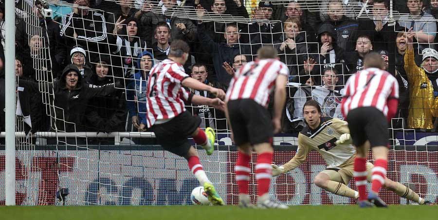 35476 - Pardew bemoans Sunderland's 'ugly' tactics