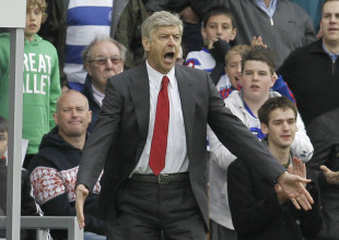 364132 - Wenger 'amazed' by lack of penalties