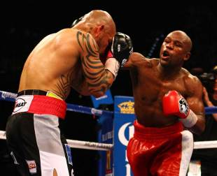 who should i bet on tonight online bets boxing