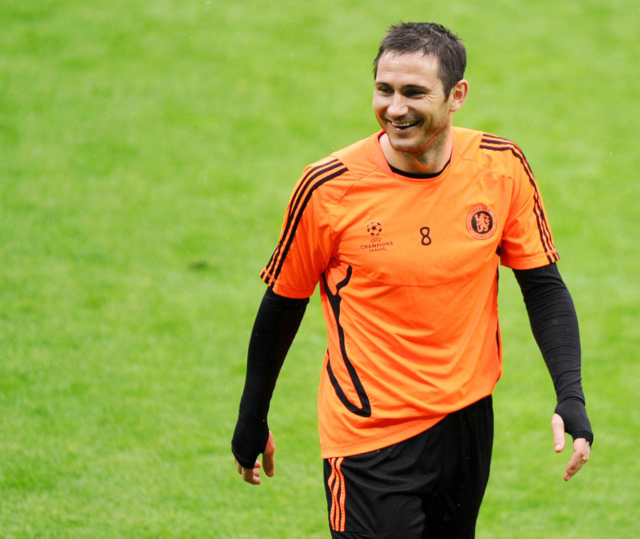 38154 - Lampard rubbishes Chelsea exit rumours