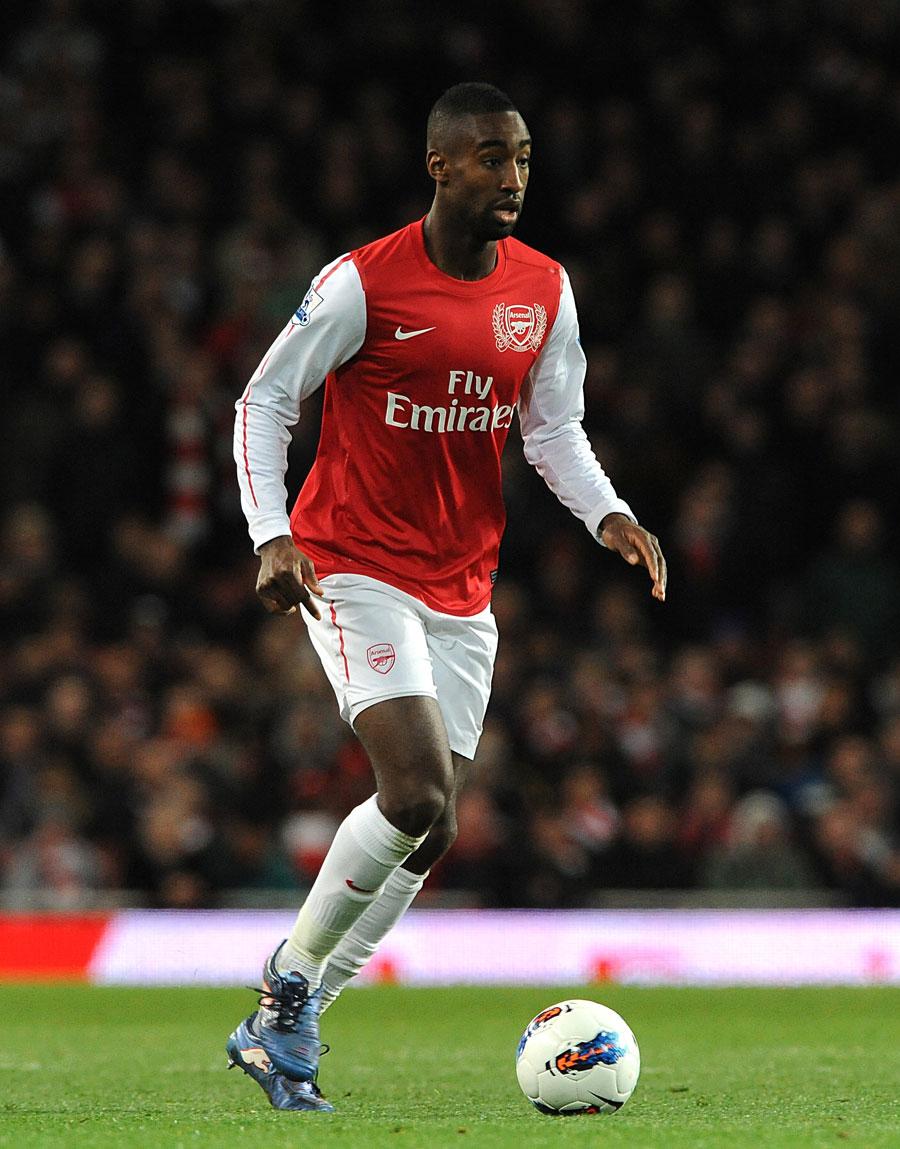 38394 - Hitzfeld tells Djourou to leave Arsenal