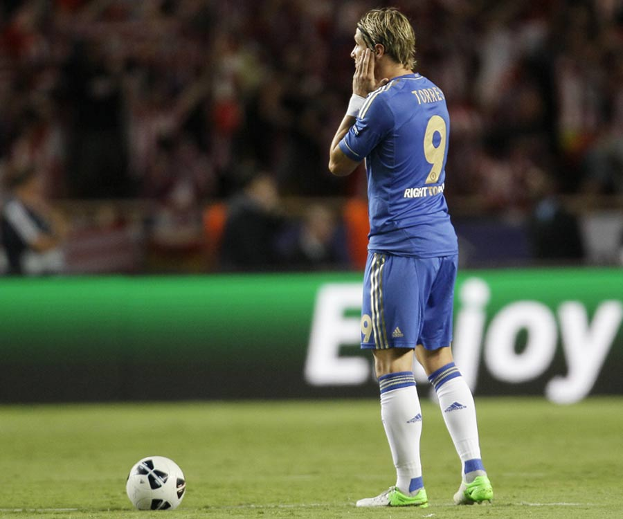 Fernando Torres looks distraught