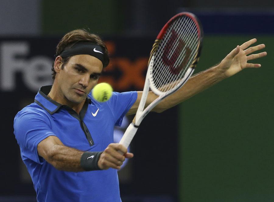 43077 - Federer avoids Shanghai surprise