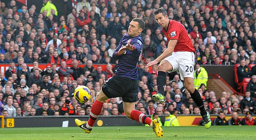 217720585 Robin van Persie will return to the Emirates Stadium a Premier League  champion © PA Photos