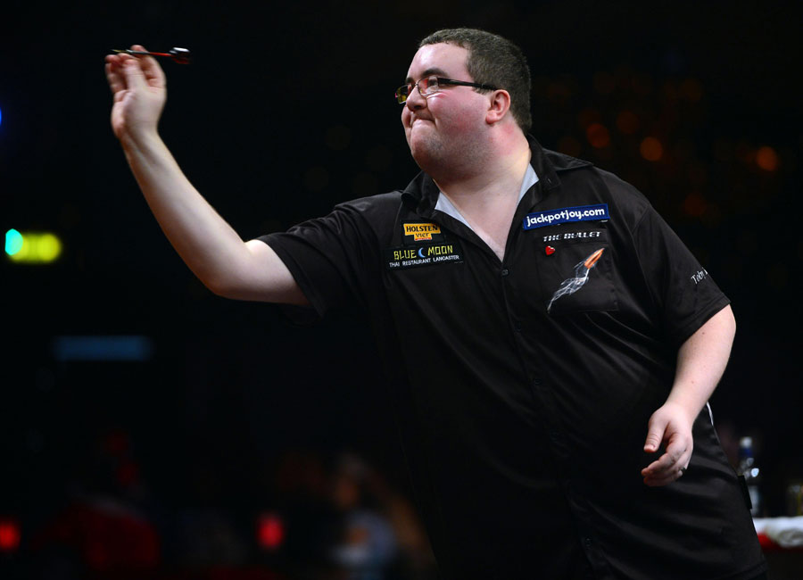 Stephen Bunting in action during the BDO World Professional Darts Championships