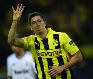 Manchester United target Robert Lewandowski quiet on Borussia Dortmund future | Football News | ESPN.co.uk