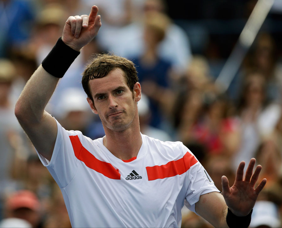 Andy Murray takes the plaudits after his win