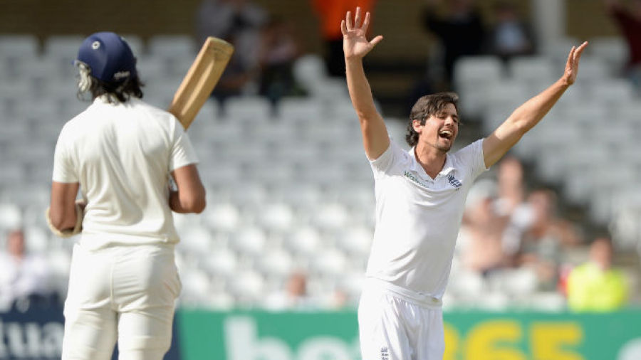 Alastair Cook takes first Test wicket but England fail to