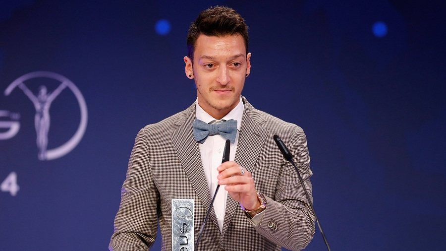 Why Arsenal's Ozil takes moisturiser and gel to games