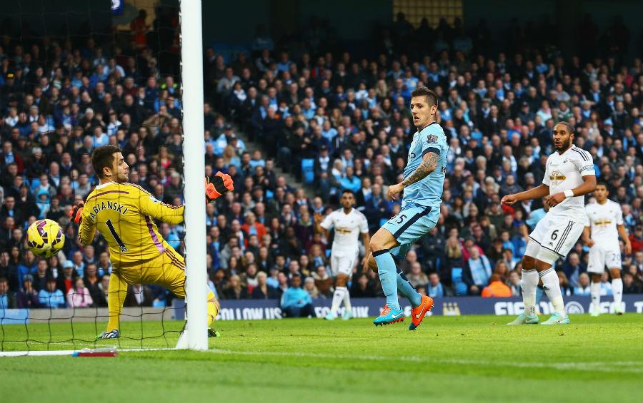 Stevan Jovetic equalises for Manchester City against Swansea